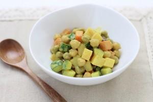 豆たっぷりカレーサラダ